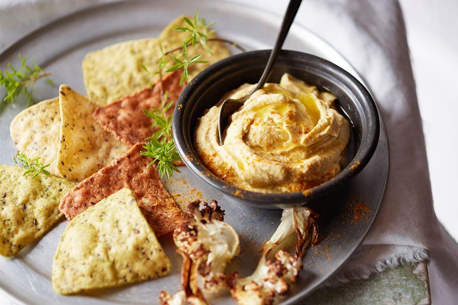 hummus de coliflor hecho con Vitamix
