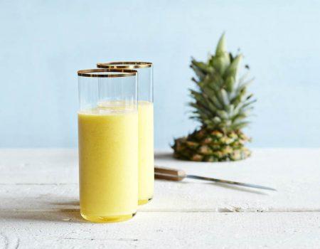 refrescante zumo de piña con vitamix