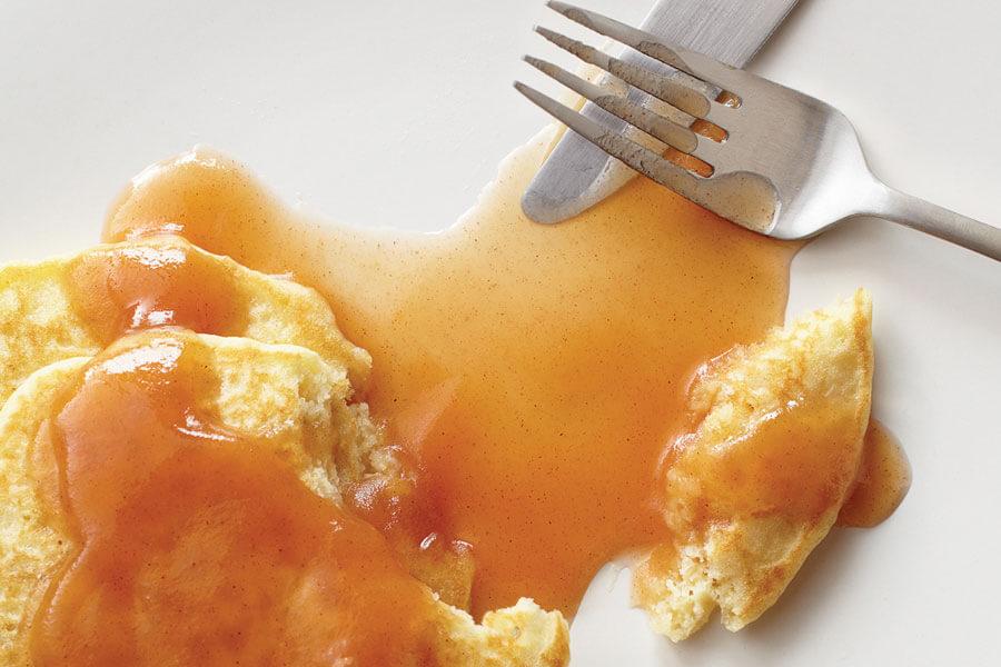 Sirope de manzana y canela con tortitas