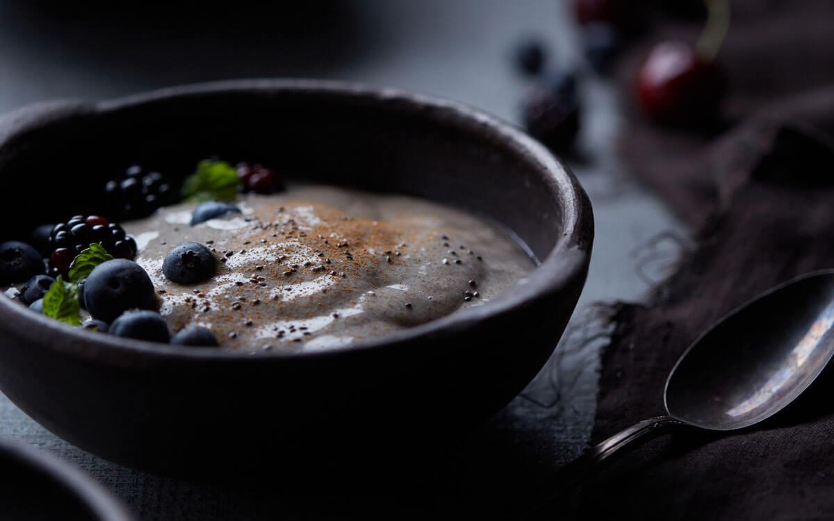 Porridge de chía con leche de almendras