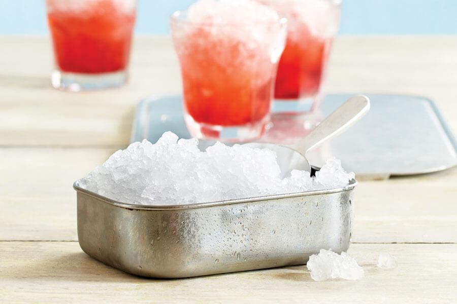 Como picar hielo en Vitamix - hielo en un recipiente de acero
